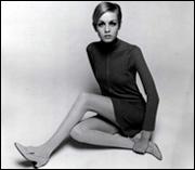 Twiggy mit Dolly Bird, 1967