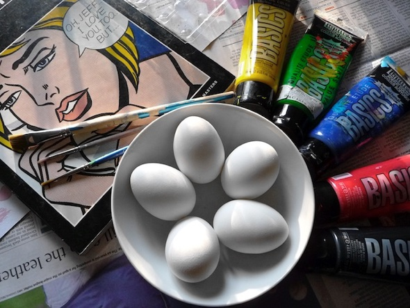 unpainted eggs ©artclubblog.com